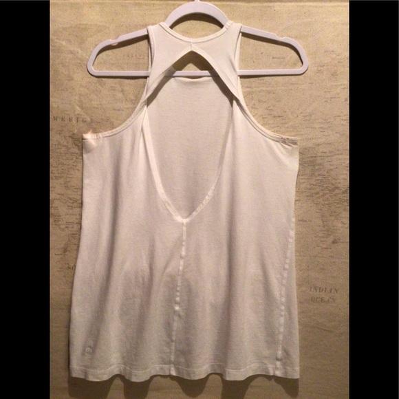 🍋 Lululemon Women's White Open Back Top. FLAW